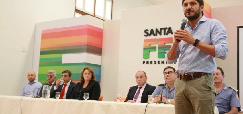 LA PROVINCIA PRESENTÓ LA NUEVA ESCUELA DE INVESTIGACIONES EN ROSARIO