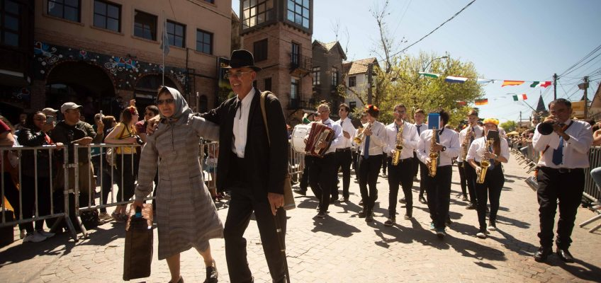 La Banda Comunal de Elortondo le puso fiesta a la 56º Oktoberfest