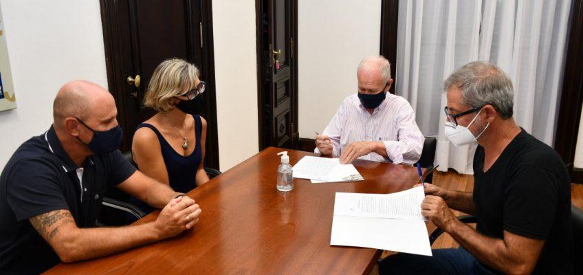 La defensoría firmó un convenio con la Fundación Emperador para mejorar la atención de los electrodependientes y promover sus derecho